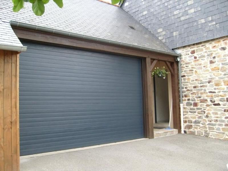 Portes de garage enroulables isol conseil pr s de lyon for Porte garage sectionnelle enroulable